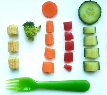 Când ar trebui să le oferim copiilor finger foods?
